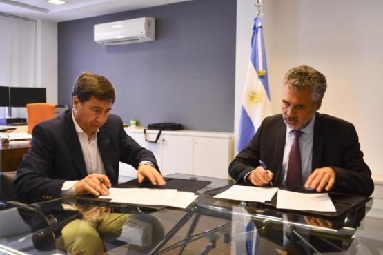 Director Ejecutivo de la ANSES, Alejandro Vanoli, y el titular del Ministerio de Desarrollo Social, Daniel Arroyo.
