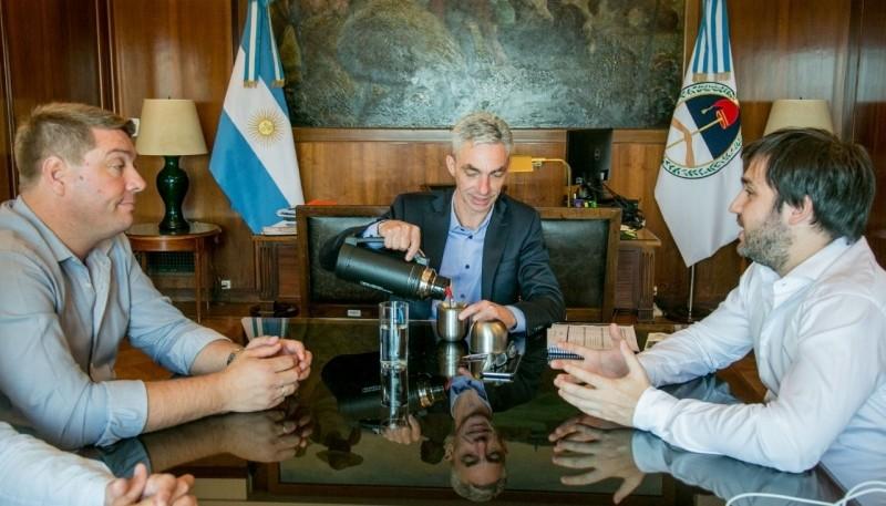 Torres y Biss junto al ministro de Transporte.