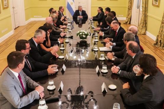 Presidente Alberto Fernández junto a empresarios petroleros.