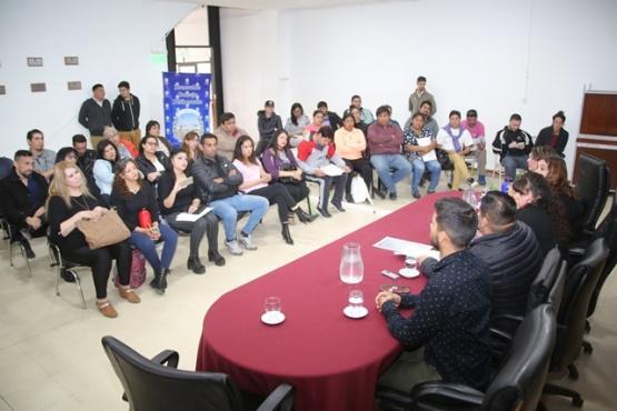 Vecinos y funcionarios públicos debatieron sobre el transporte (C.G)