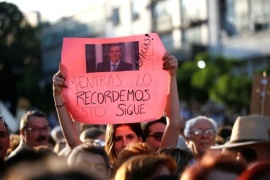 Nisman: Pedido de justicia de abogados y poca gente en las movilizaciones