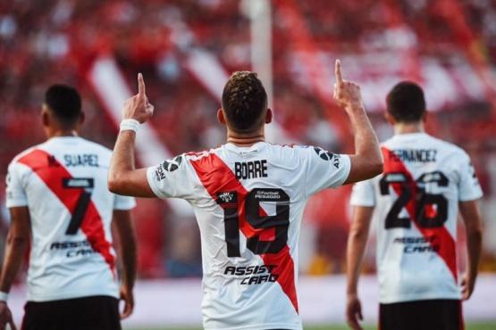 El colombiano Borré marcó los goles de la victoria.