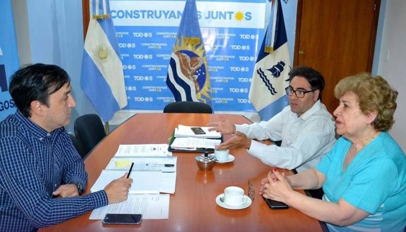 Pablo Grasso recibió a la señora Teresa Soto y al Dr. Roberto Ortiz