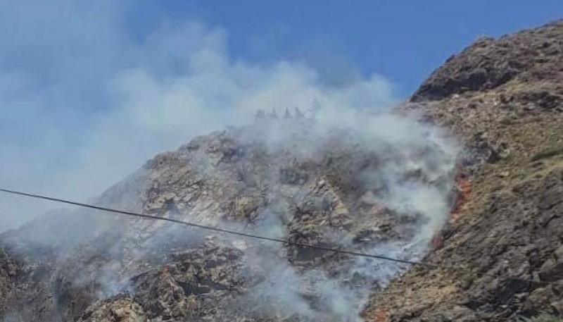 Incendio en una vivienda que se propagó en la ladera del cerro