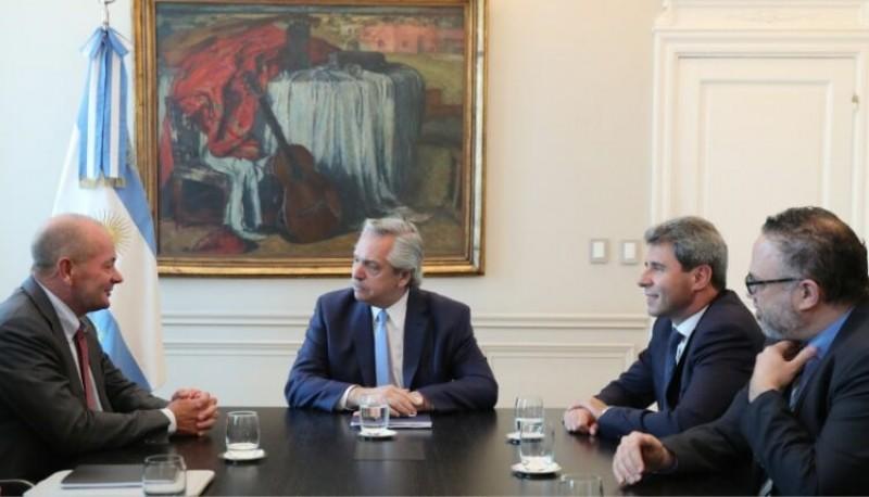 Fernández se reunió con Uñac por un proyecto minero.