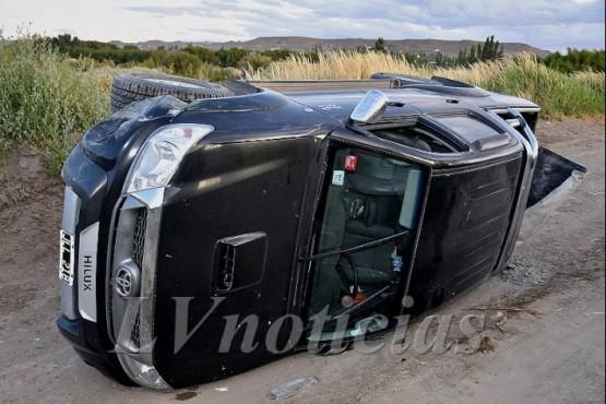 Estado en que terminó la camioneta tras volcar. (Foto: La Vanguardia Noticias)