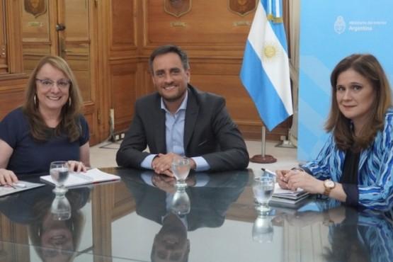 Alicia Kirchner, Juan Cabandié y Paola Vessvessian.