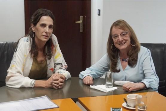 La ministra de Desarrollo Territorial y Hábitat, María Eugenia Bielsa y la gobernadora Alicia Kirchner.
