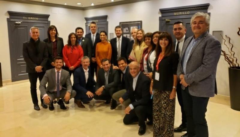 Ministros de Turismo en reunión.
