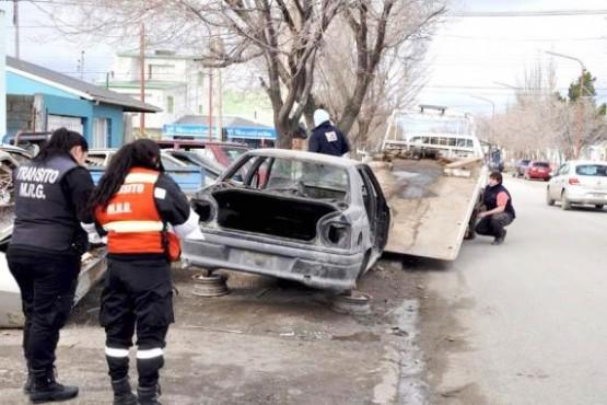 Multas y remoción de vehículos desde el 3 de febrero (Archivo)