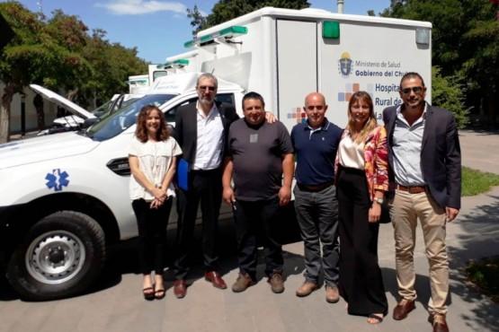 Entrega de ambulancias en las localidades.