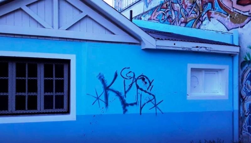 Grafiti en las paredes.
