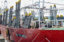 Llegaron los primeros buques poteros de la temporada a Madryn
