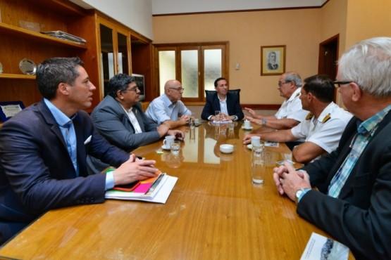 El intendente Maderna se reunió con autoridades de la Base Almirante Zar