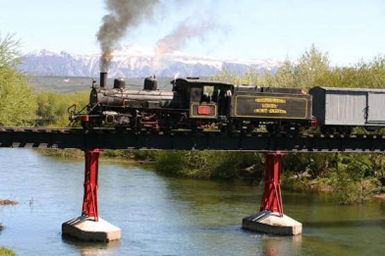 En medio de la Fiesta del Tren...el tren no sale