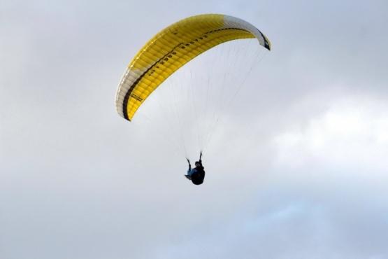 Volando en los cielos de Santa Cruz (Foto de Pedro Aguila).