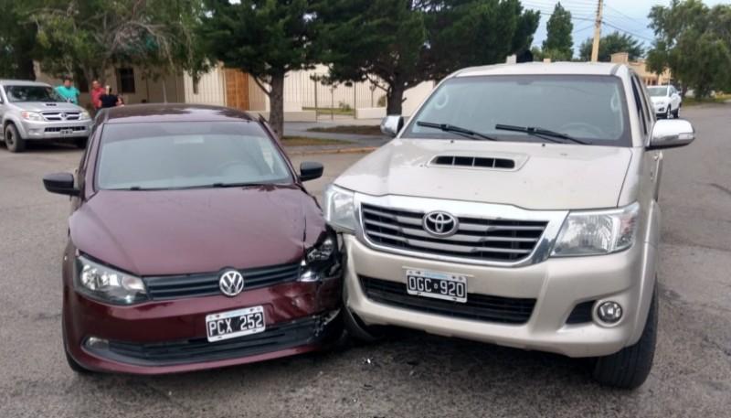 Los autos chocaron de manera frontal (Fotos C. Gonzalez)
