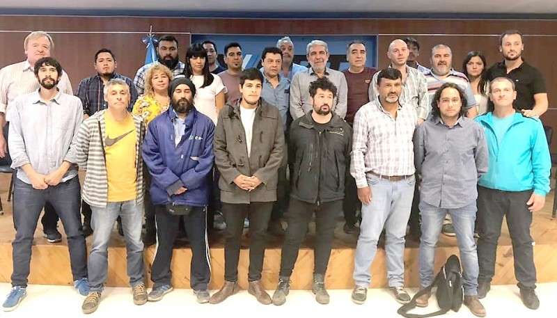 Fernández ayer tras el encuentro con la Intersindical.