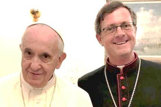El Papa Francisco y Monseñor José Ignacio García Cuerva (foto archivo).