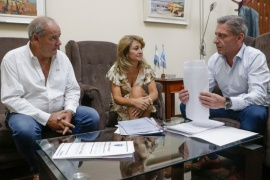 Arcioni se reunió con autoridades del IPV para ultimar detalles del Plan de Créditos de Viviendas