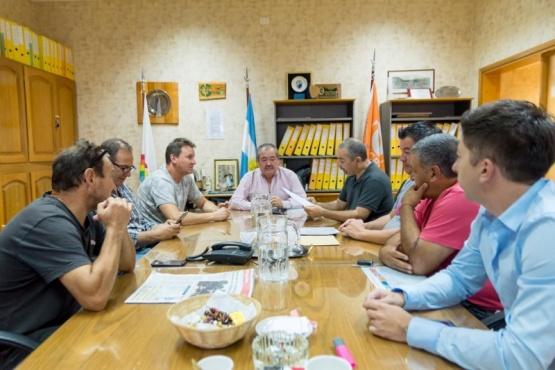 Los directivos de SCLP y Huracán firmaron un convenio de cooperación.