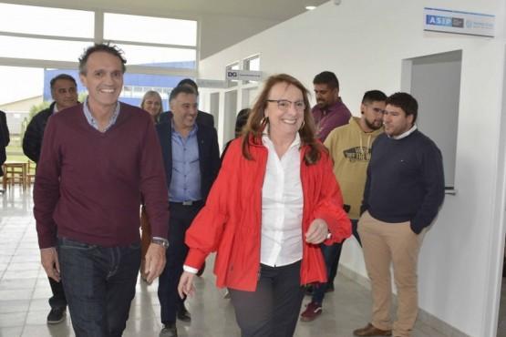 Katopodis junto a Alicia Kirchner recorriendo algunas obras públicas.