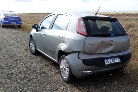 El Fiat Punto chocado en la parte trasera.