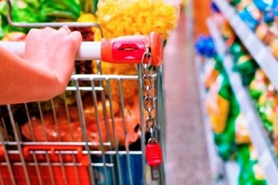 Alimentos, entre los segmentos más altos a la hora de medir el IPC. (Archivo).