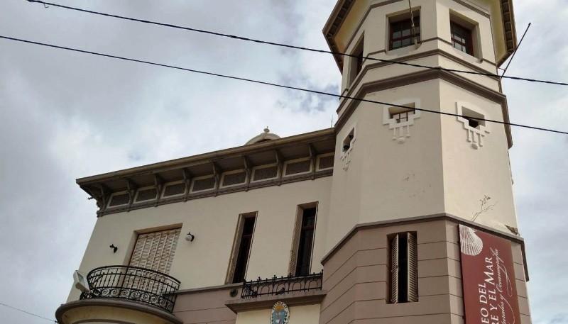 Cutro recorrió el Museo Provincial de Ciencias Naturales y Oceanográfico