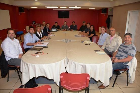 Los representantes del CPE y ADOSAC.