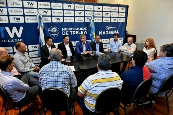 El intendente Maderna se reunió con empresarios locales.