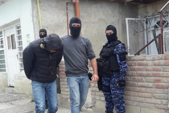 12 Allanamientos en Comodoro y Buenos Aires.