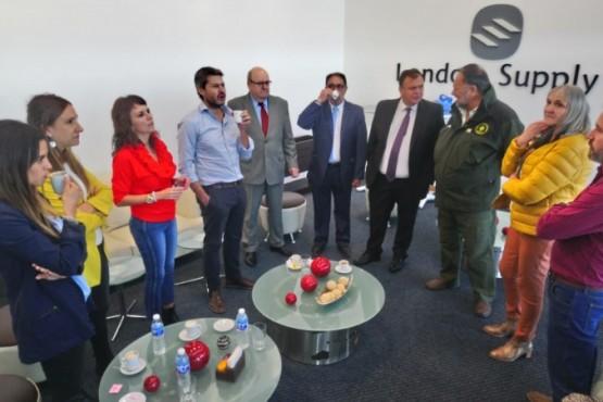 Autoridades santacruceñas junto al ministro de Turismo y Deporte.