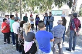 De la Vallina se reunió con vecinos de barrios Médanos, Belgrano y Sarmiento