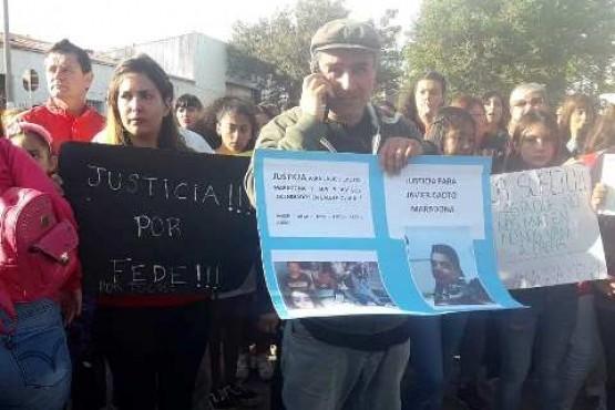 Marcha ayer en Puerto Deseado.