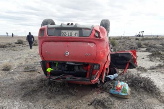 Turistas chilenos volcaron en Sarmiento