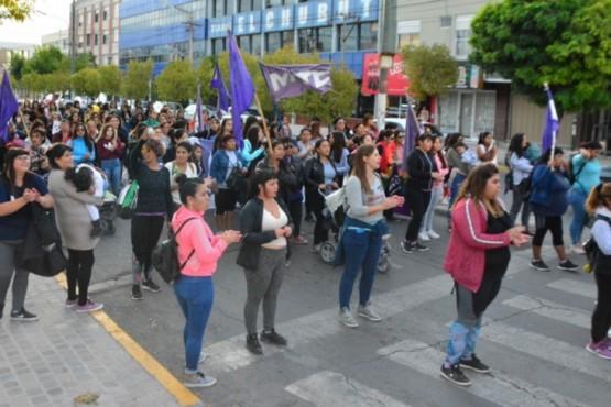 Mujeres marcharon para pedir justicia por el caso de Puerto Deseado