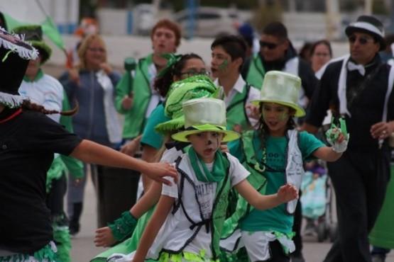 Una multitud se reunió para dar inicio a los Carnavales 2020