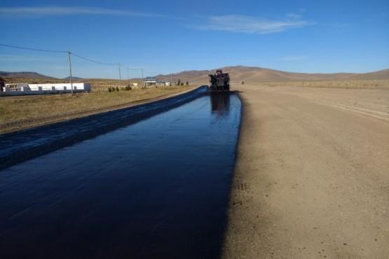 Vialidad Provincial avanza en la pavimentación de la ruta Nº 63