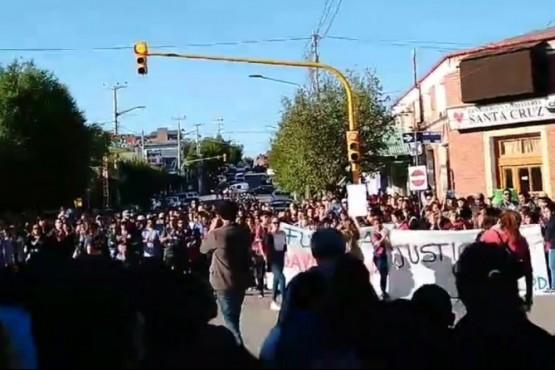 Imagen de la primera marcha en pedido de justicia por el caso de Puerto Deseado.
