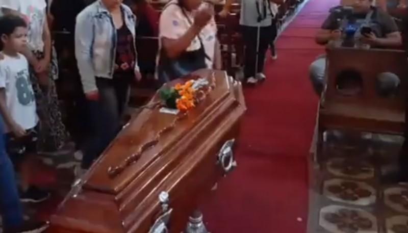 Velorio y despedida al menor que fue asesinado en Puerto Deseado.