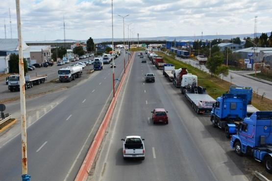 El reclamo del jueves en la Autovía 17 de Octubre amagaba profundizarse. (Foto: C.R.).