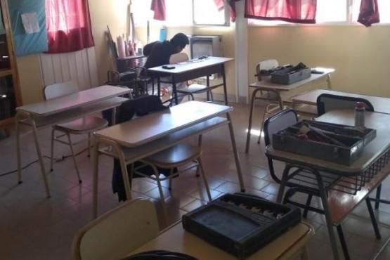 Obras Públicas de la Provincia recorre las escuelas para realizar tareas de mantenimiento
