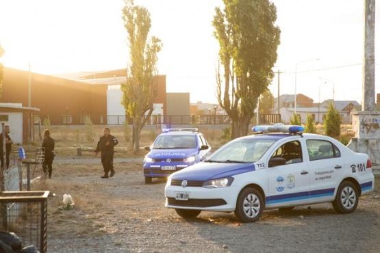 Los policías lograron calmar la situación. (Foto: C.G.)