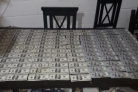 Detienen conocido delincuente de Santa Cruz por el robo de cientos de miles de dólares y pesos