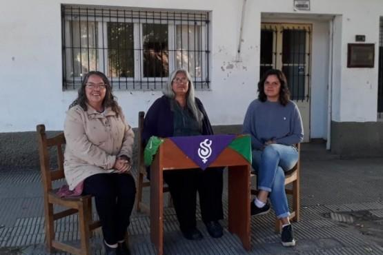 Tres concejales decidieron sentarse fuera del Concejo Deliberante.