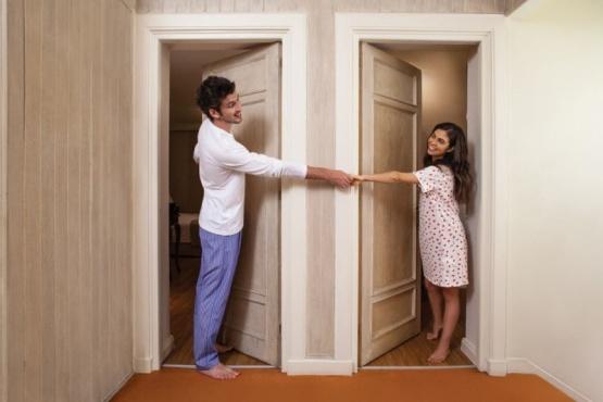 Por qué cada vez más gente elige dormir sin su pareja