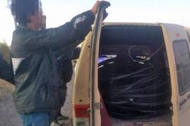 Cuatro delincuentes fueron sorprendidos robando fibra óptica