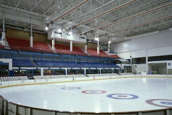 Utilizarán una pista de patinaje sobre hielo como morgue en España