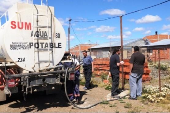 Buscan mejorar el reparto de agua potable